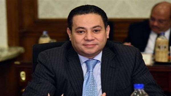 خالد بدوي وزير قطاع الأعمال: الدولة ستحتفظ بنسبة 51 % من أسهم الشرقية للدخان