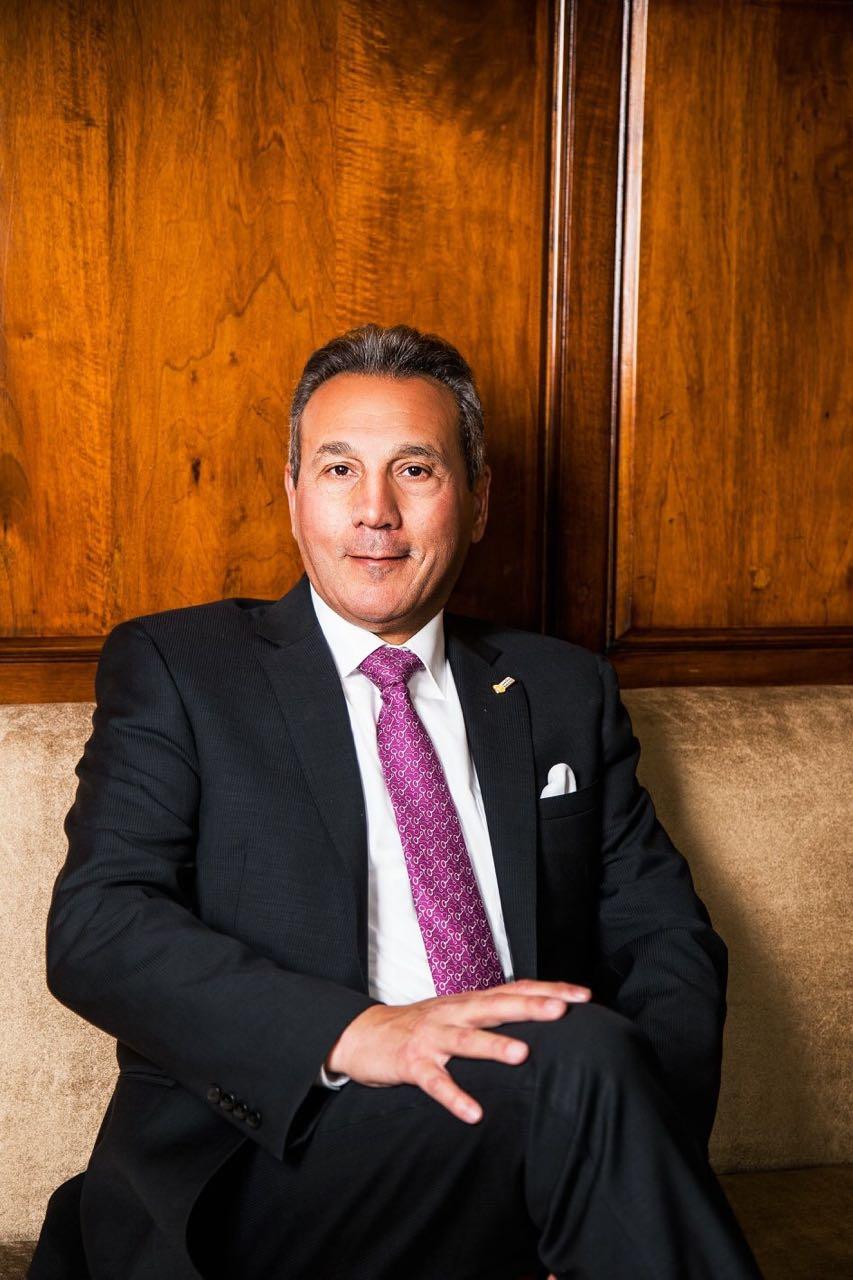 تكريم رئيس مجلس إدارة بنك مصر الأستاذ/ محمد الاتربى ضمن أفضل مائة رئيس تنفيذي عربيلعام 2017