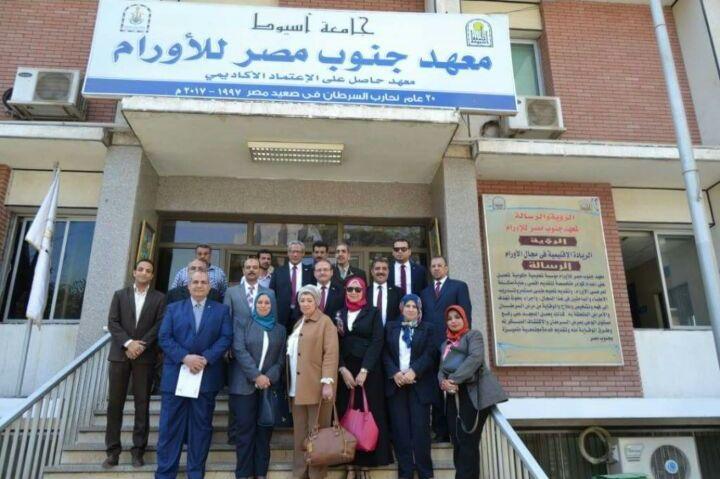 21 جهاز غسيل كلوي وكبسولات عمليات بقيمة 14.5 مليون جنيه لمستشفيات جامعة أسيوط ومعهد جنوب مصر للأورام من مؤسسة بنك مصر لتنمية المجتمع