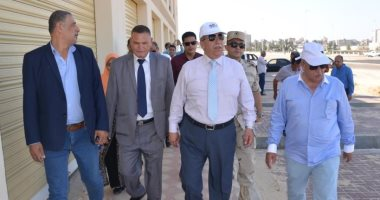 محافظ الإسماعيلية يتفقد مشروع المحور المروري الجديد على بحيرة الصيادين