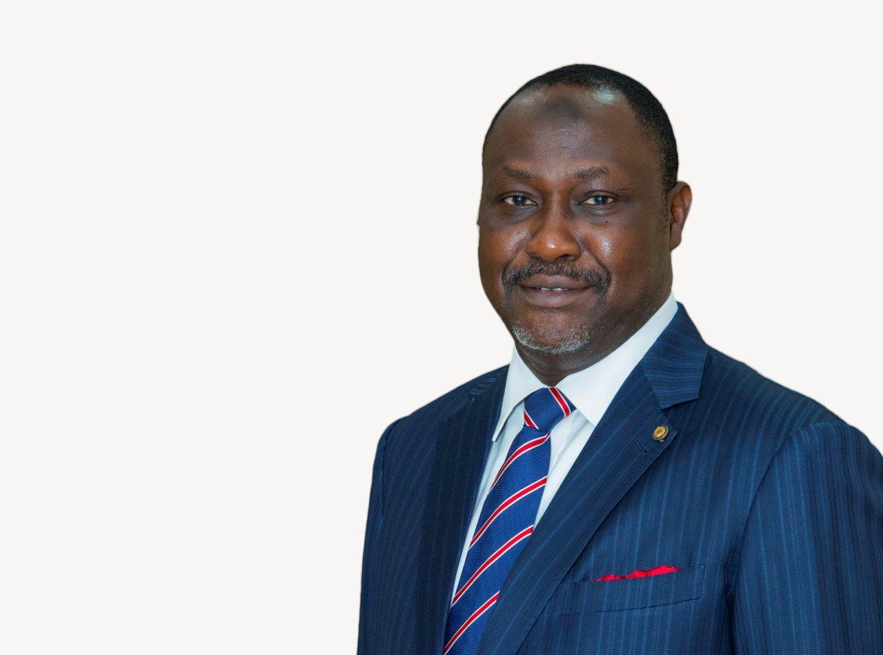 ساميازبيرورئيساً لمجلس الإدارة ورئيساً تنفيذياً ثالثاً لمؤسسة التمويل الإفريقية