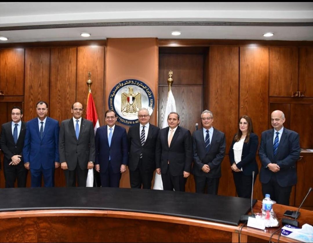 بإستشارة مالية من البنك الأهلي المصري وبنك أبو ظبي الأول  ثلاثة بنوك عالمية تمنح شركة الشرق الاوسط لتكرير  البترول