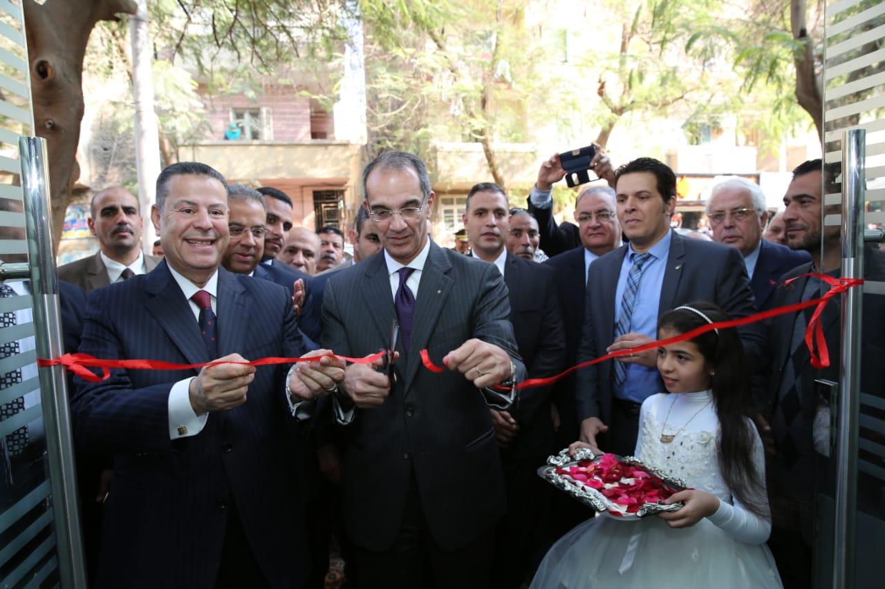 د.عمرو طلعت وزير الاتصالات يقوم بعمل زيارته ميدانية لمحافظة بنى سويف