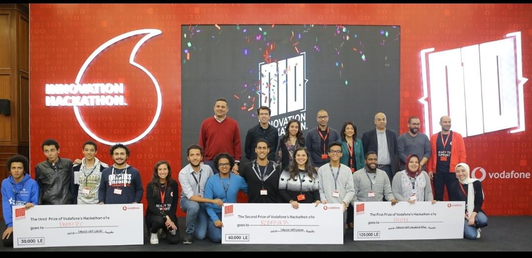 فودافون تحتفل بإطلاق النسخة الأولى لهاكاثون الابتكار 010  لدعم شباب المبتكرين والمطورين وتعلن عن المشروعات الثلاثة الفائزة