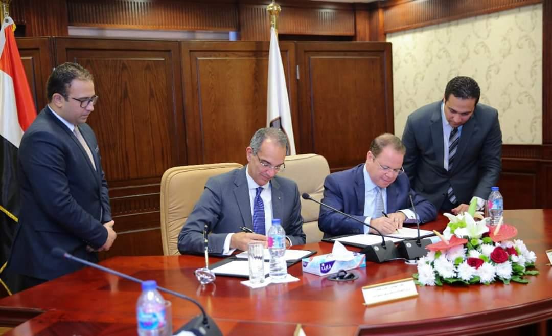 النائب العام ووزير الاتصالات يوقعان بروتوكول  لتحديث  منظومة العمل  بالنيابة