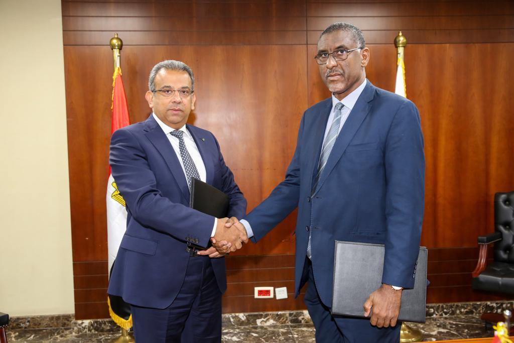 رئيس البريد المصري يستقبل نظيره الموريتاني بهدف بحث أوجه التعاون وتبادل الخبرات بين البلدين
