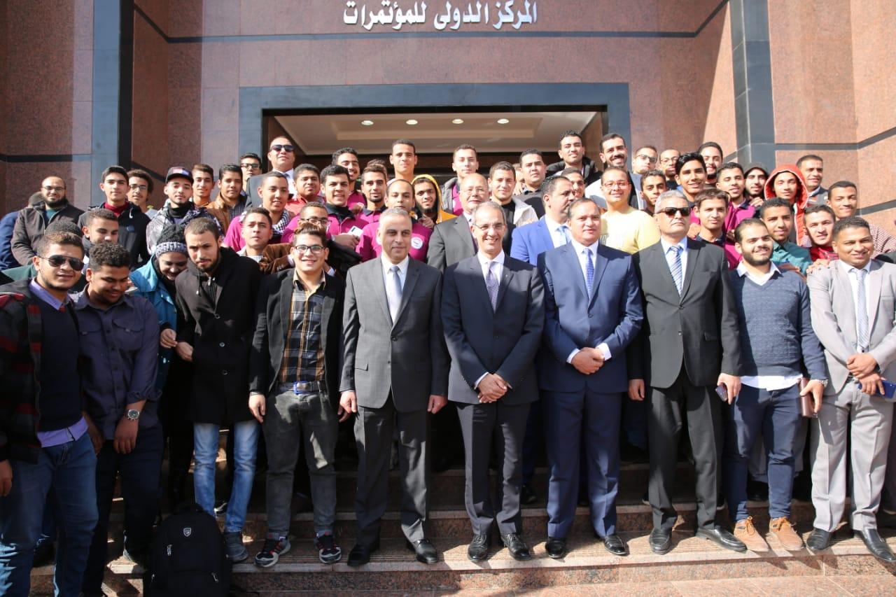 د/ عمرو طلعت  يزور مقر جامعة سوهاج الجديد  ويتفقد مجمع الابداع التكنولوجي بالجامعة