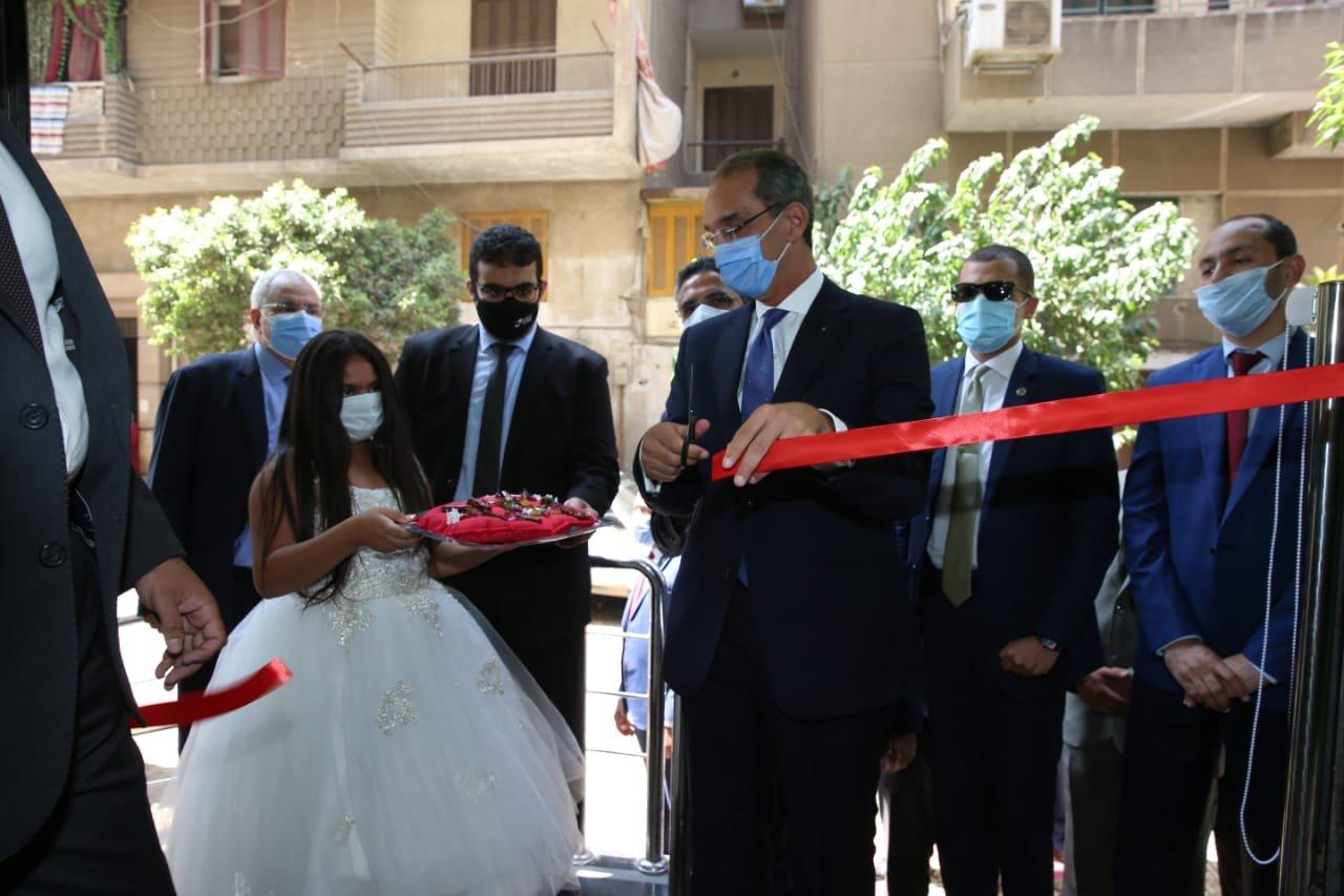 د/ عمرو طلعت  يفتتح ثلاثة مراكز خدمات بريدية لتقديم الخدمات البريدية والمجتمعية والمالية المتكاملة