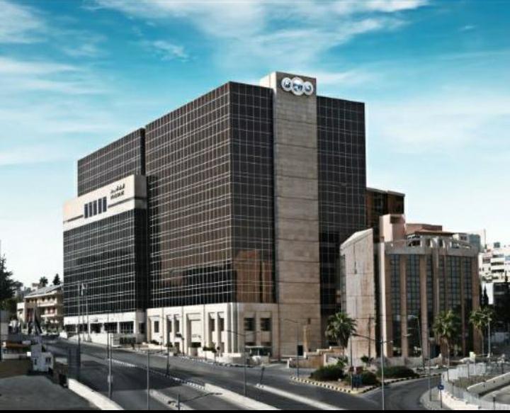 لأول مرة في مصر البنك العربي يطرح خدمة الإصدار الفوري لبطاقات الخصم المباشر