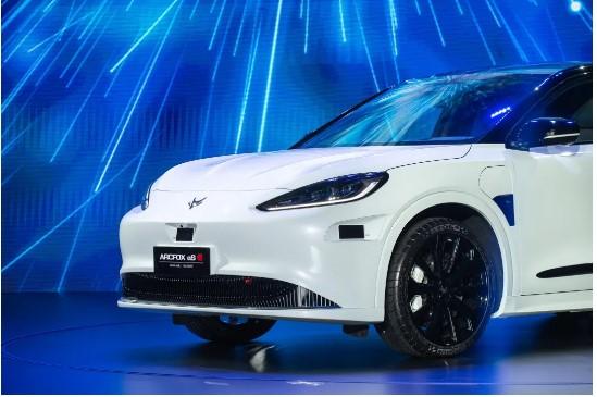 *إطلاق أول سيارة كهربائية ذكية تحمل العلامة التجارية المشتركة مع هواوي*