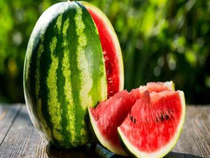 كيف تميز  البطيخ المسرطن من البطيخ السليم