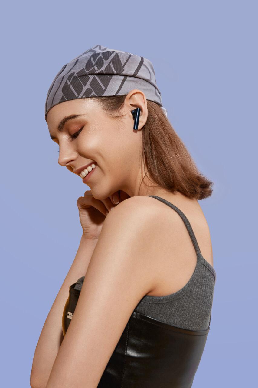 realme تواصل نجاحاتها وتطلق هاتف جديدC21  وسماعتين بقدرات عالية لمنع الضوضاء