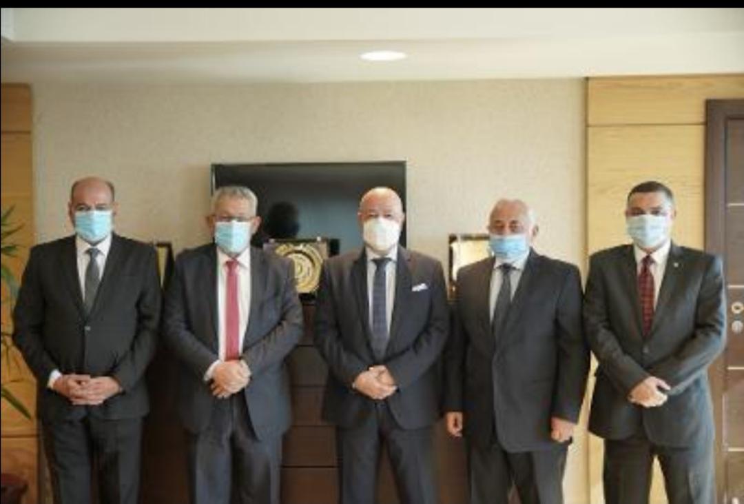 البنك الأهلي المصري الأول في إطلاق أتوبيسات تعمل بالغاز الطبيعي