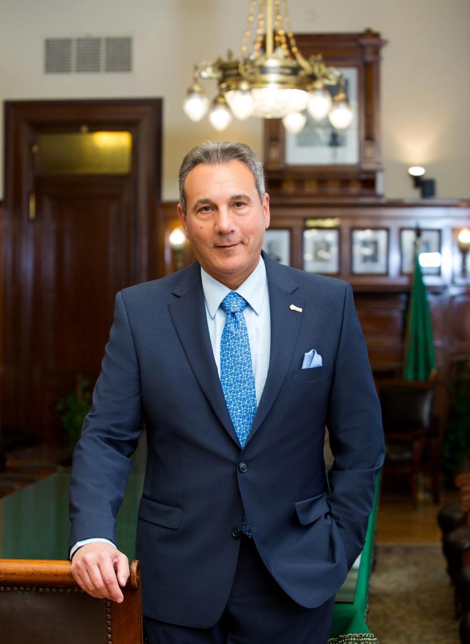 بنك مصر يتوج أعماله بخمس جوائز جديدة من